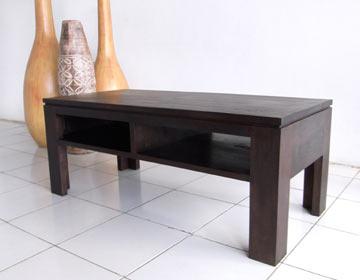横幅100センチ=4人用タイプ。素材を生かしたローテーブル