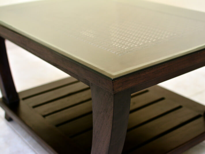 【AS-260】異国情緒が漂う、ユニークなローテーブル