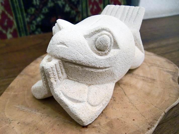 【48091】ひざまずきカエル石製お香立て