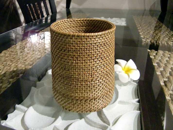 アジア風の食卓にぴったりのアタ製ラウンドスタンド【48241】