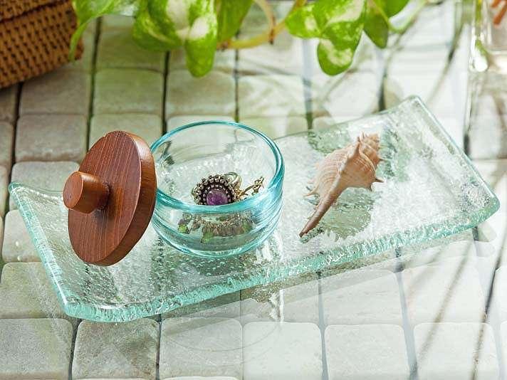 シンプルで使い勝手の良い手作りガラスのマルチトレー