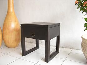 ちょっと個性的なサイドテーブル【AS-008】